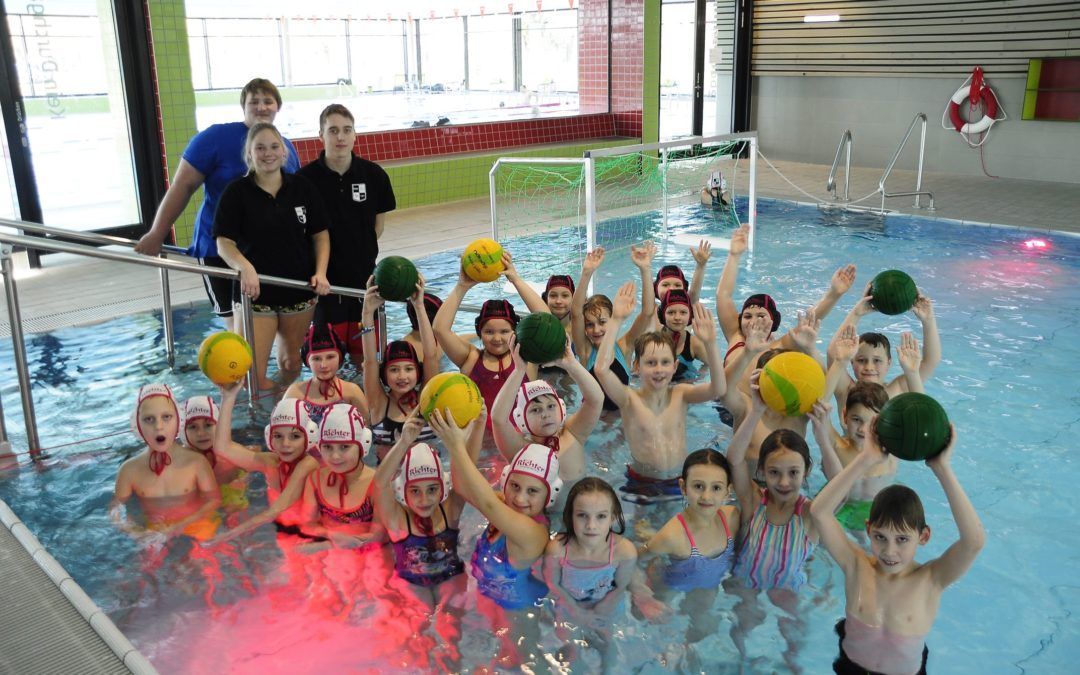 Wasserball Schulaktion im Stadtbad